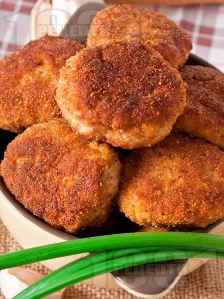 Пържени картофени кюфтета с топено сирене и чесън - снимка на рецептата